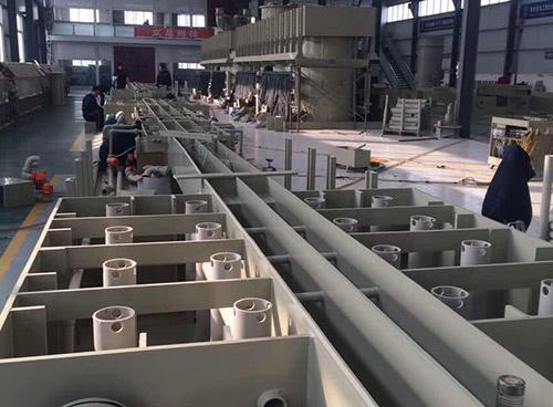超威电池生产车间~ PPH管路系统安装现场